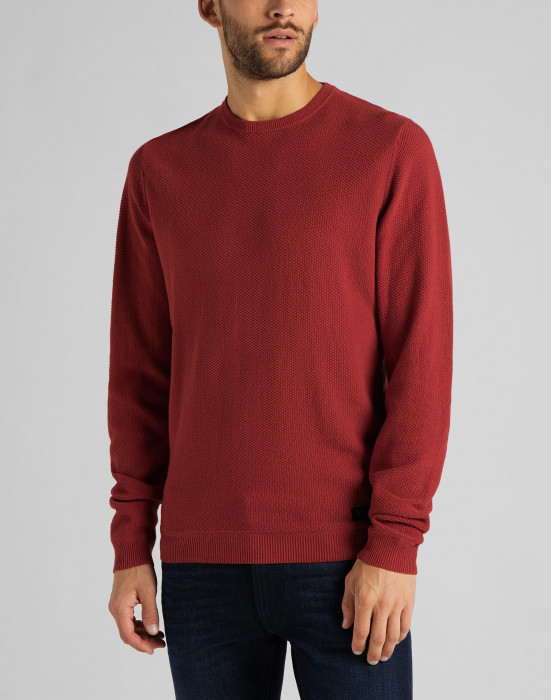 detail BASIC TEXTURED CREW RED OCHRE